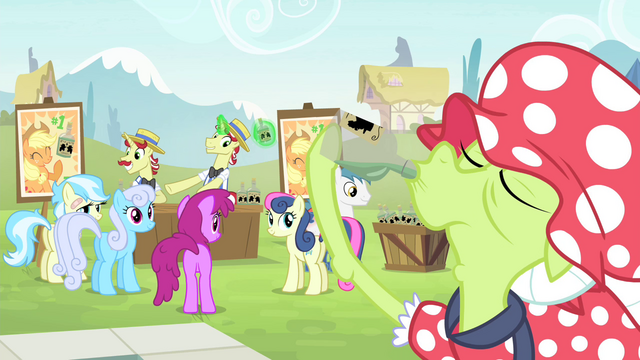 File:Ponies see Granny drinking tonic S4E20.png
