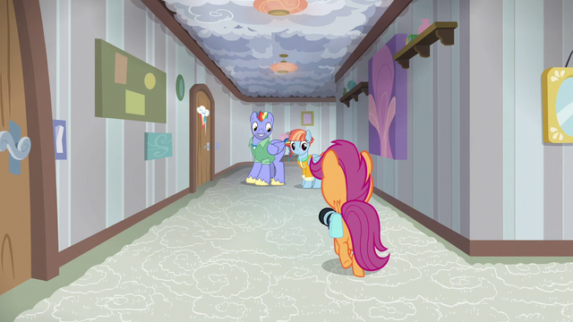 File:Scootaloo follows Bow and Windy down another hallway S7E7.png