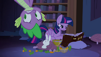 Spike scared and upside-down S4E03