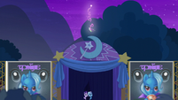 Trixie creating fireworks S6E6