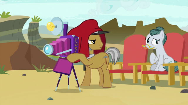 File:Igneous and Cloudy look annoyed at Pinkie S7E4.png