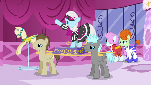 File:Photo Finish makes her dramatic entrance S7E9.png