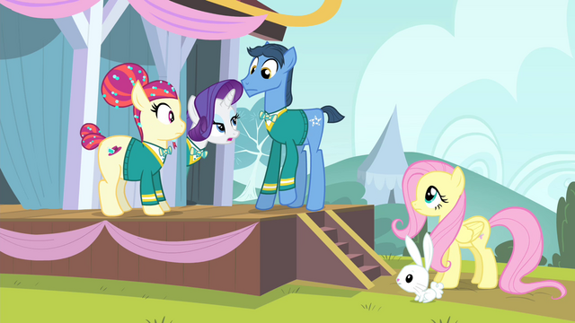 File:Rarity 'we're the Ponytones minus one tone' S4E14.png