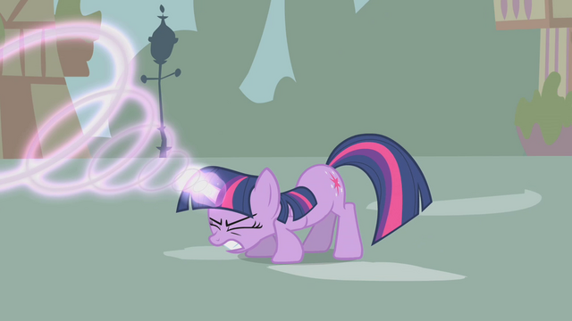 File:Twilight casting a magic spell S1E10.png