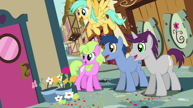 File:Crowd of ponies looking around corner S4E12.png
