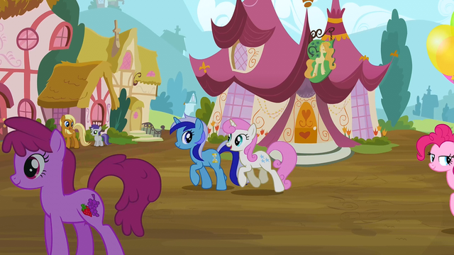 File:Twinkleshine and Minuette S2E20.png