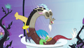 Discord in the shower S4E01.png