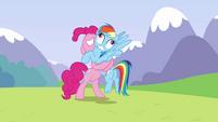 Pinkie Pie makes Rainbow Dash go Derp S3E07