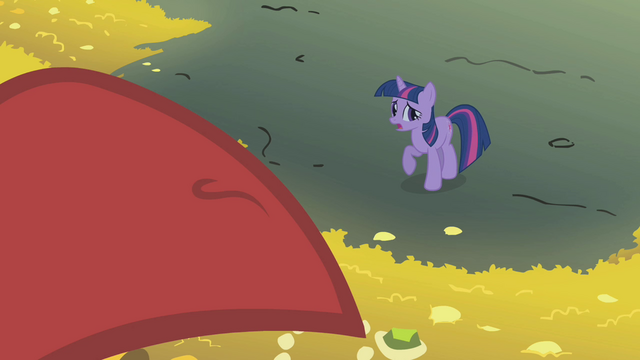 File:Twilight tries to convince the dragon to leave S1E07.png