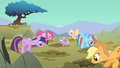 Main ponies look down the holes S01E19.png