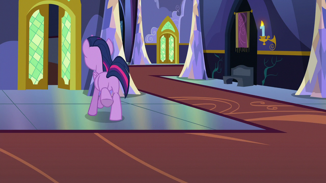 File:Twilight Changeling galloping into the next castle room S6E25.png