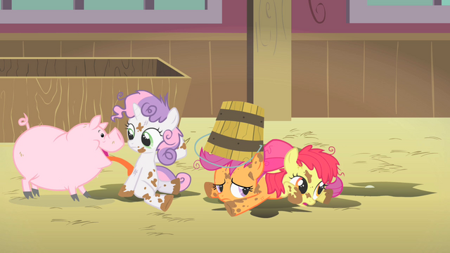 File:Cutie Mark Crusaders farm S1E18.png