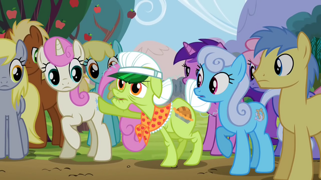 File:Granny Smith pops out from crowd S2E15.png