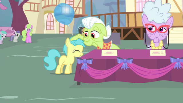 File:Granny Smith rubbing on a foal's mane S4E13.png