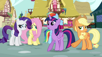 Applejack pushes Twilight S4E18