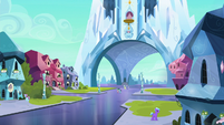 Spike and Crystal Hoof walk outside the palace S6E16