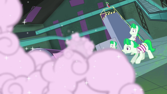 File:The henchponies sees the spray S4E06.png