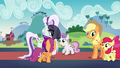Cutie Mark Crusaders leave while starstruck S5E24.png
