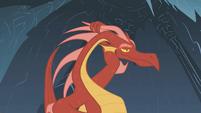 The dragon likes what Rarity says S1E07