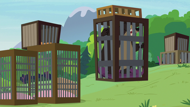 File:Grizzy bear gets stuck inside the cage S7E5.png