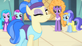 Sapphire winking at Rarity S4E19.png