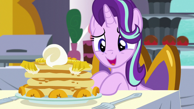 """File:Starlight """"I almost feel bad eating this"""" S7E10.png"""
