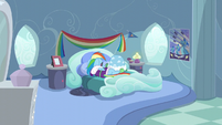 Rainbow Dash sulking in her room S5E5