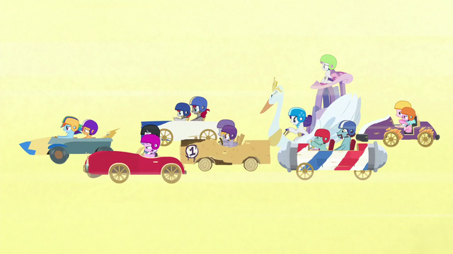 File:Carts in the Applewood Derby S6E14.png