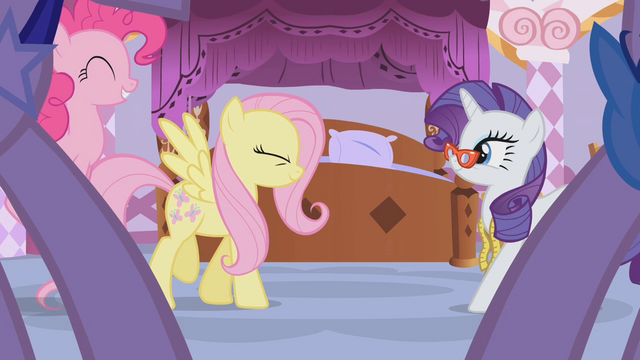File:Rarity leading friends into room S1E14.png