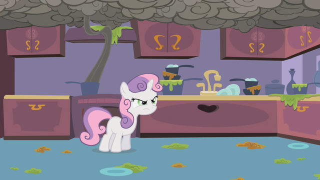 File:Sweetie Belle Smoke 2 S2E5.png