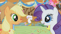 Applejack and Rarity laugh at spitting snakes prank S01E05