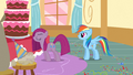 Pinkie Pie doesn't want to go S1E25.png