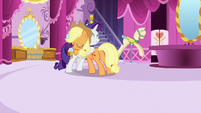 Rarity gratefully hugging Applejack S7E9
