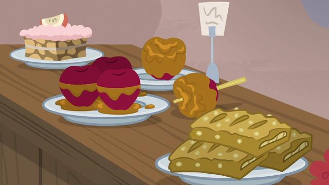 File:Sugar Belle's baked apple treats S7E8.png