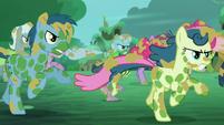 The ponies run S5E26