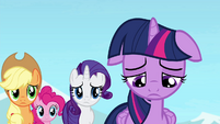 Twilight uncertain of herself S4E25