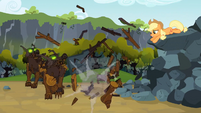 Applejack destroys Timberwolves S3E09