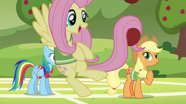 File:Fluttershy playing with softballs in her tail S6E18.png