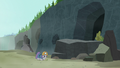 Maud discovers a piece of emerald jasper S7E4.png