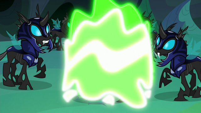 File:Thorax's Starlight disguise is forcibly removed S6E26.png
