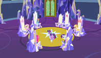 Twilight paces around the throne room S5E1