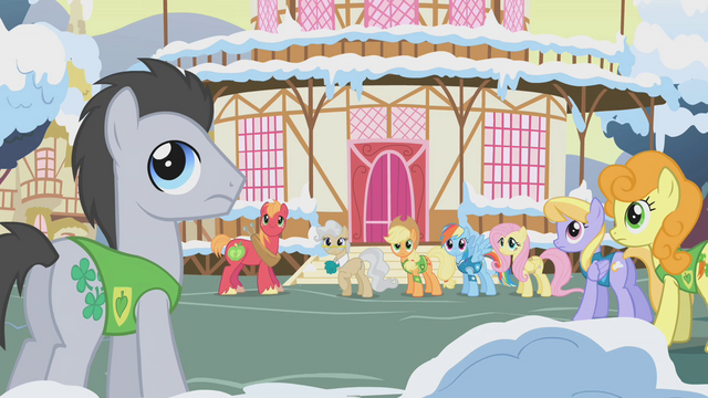 File:Ponies looking back toward Twilight S1E11.png