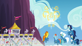 Wonderbolts see gold trophy-shaped fireworks S7E7.png