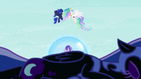 Nightmare Moon falls to the ground S7E10