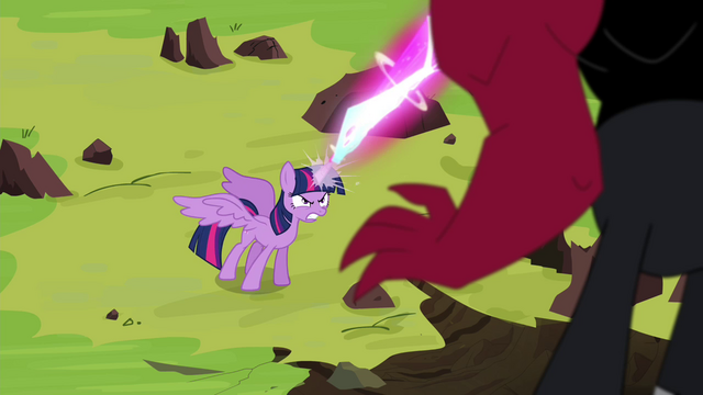 File:Twilight shoots laser beam at Tirek S4E26.png