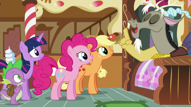 File:Twilight, Spike, AJ, and Pinkie listening to Discord S5E22.png