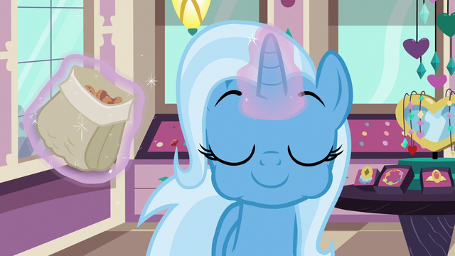 File:Trixie eating cinnamon nuts S7E2.png
