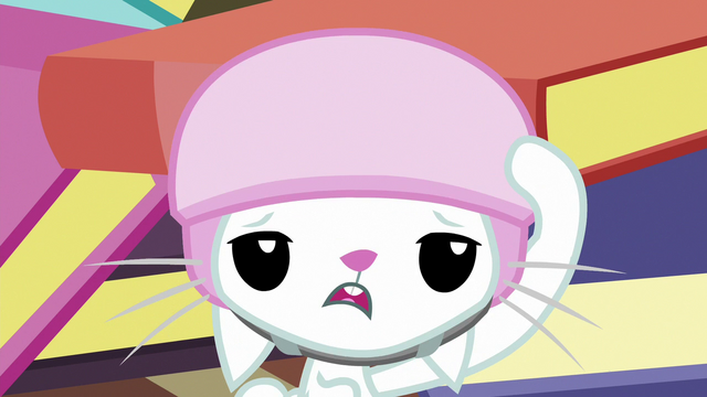 File:Angel Bunny dizzy S7E5.png