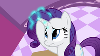 Rarity putting out her magic S4E01