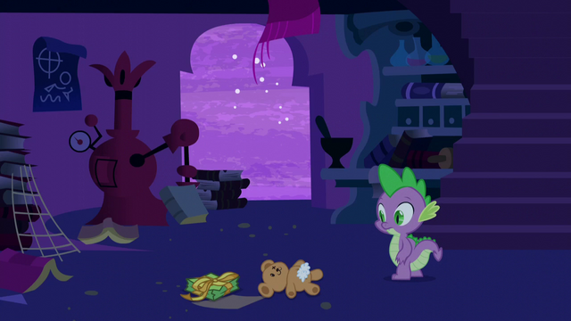 File:Spike sees a teddy bear S5E12.png
